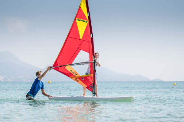clase de prueba de windsurf en mallorca 600x400 - Beginner's private class or perfecting Windsurf