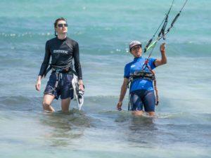 Private Kitesurfing Lesson in Palma de Mallorca in Aguas Poco Profundas