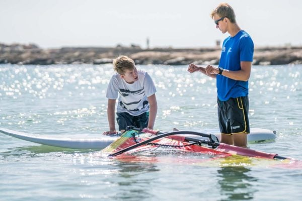 clase privada de windsurf en mallorca 600x400 - Beginner's private class or perfecting Windsurf