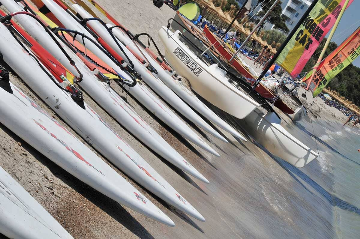 instalaciones de la escuela de windsurf en mallorca watersportsmallorca - Facilities