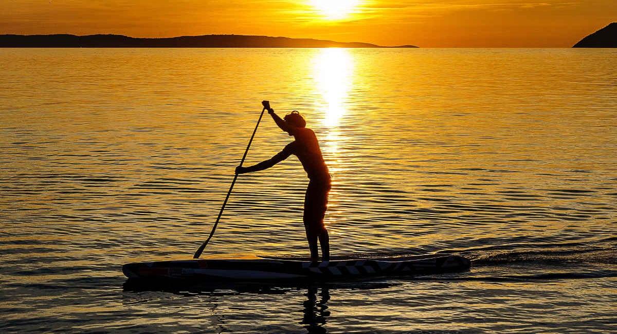 damir spanic 1206760 unsplash e1558692724370 - Geschichte vom stand up paddling