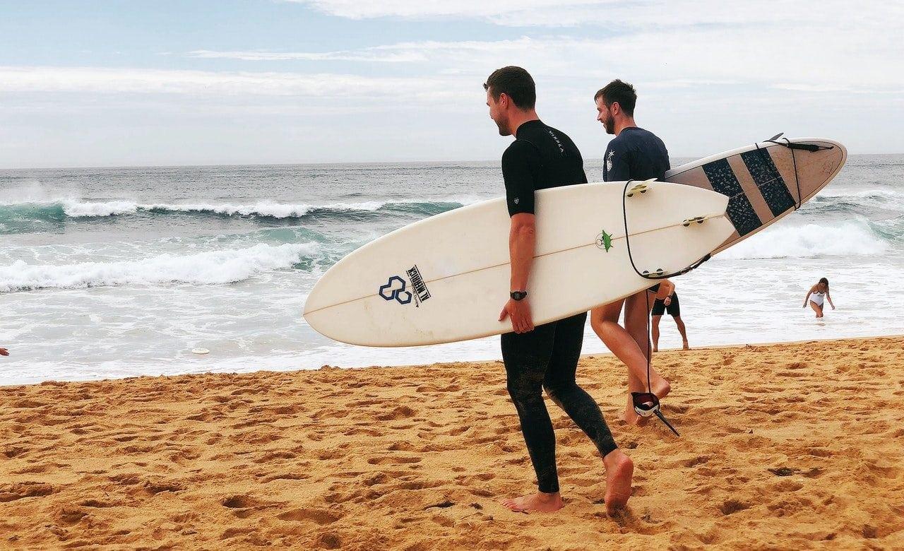 Elegir una tabla de surf como principiante